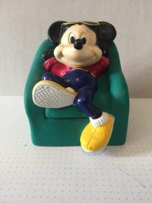 Mickey Mouse in luie stoel groen spaarpot