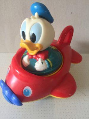 Donald Duck in vliegtuigje