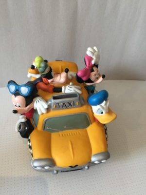 Donald Duck en de familie in de taxi (Duck Cabco)
