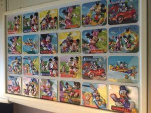 Mickey en Minnie Mouse en Donald Duck figuren in lijst