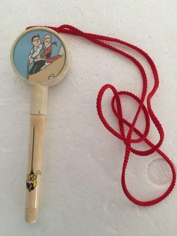 Pen S&W trekken aan touw waar Lambik aan hangt